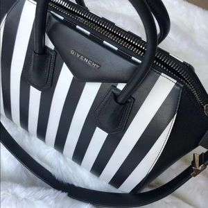 0541044a242 Women Used Givenchy Bags on Poshmark